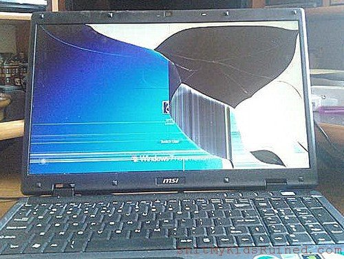 laptop with broken lcd