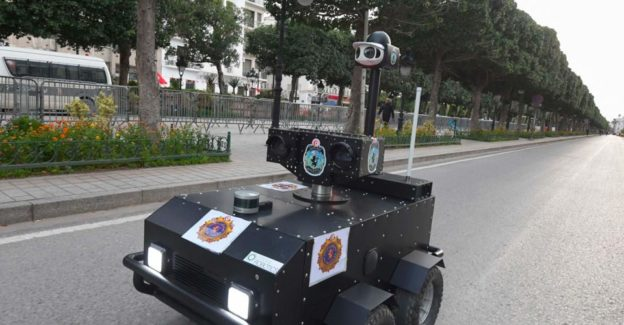 Tunisian Police Enforcing the Coronavirus Lockdown With Robots
